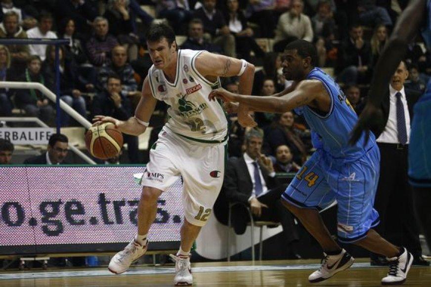 K.Lavrinovičius nugalėtojams pelnė 17 taškų ir atkovojo 11 kamuolių