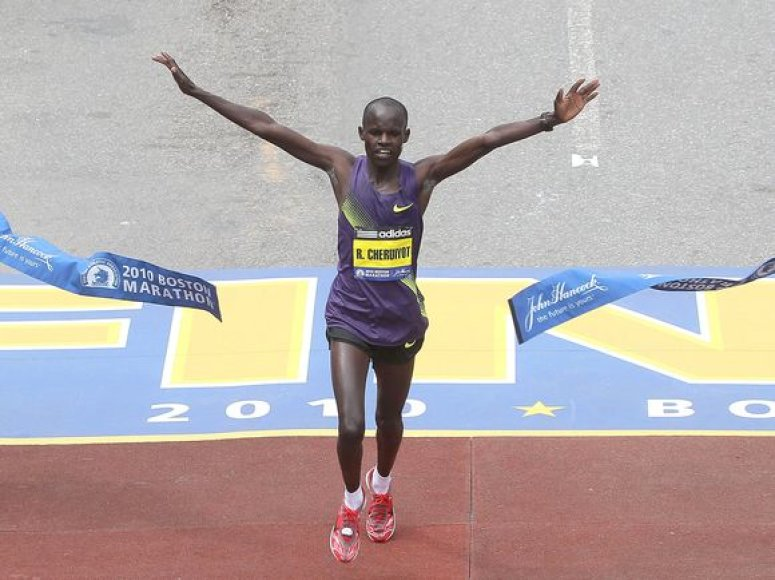 R.Cheruiyotas tapo Bostono maratono rekordininku