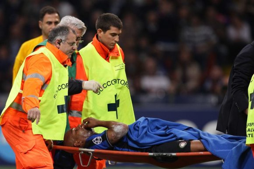 Po susidūrimo su L.Messi Maiconas neteko danties