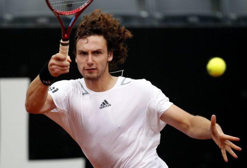 E.Gulbis pirmą kartą per savo karjerą įveikė R.Federerį