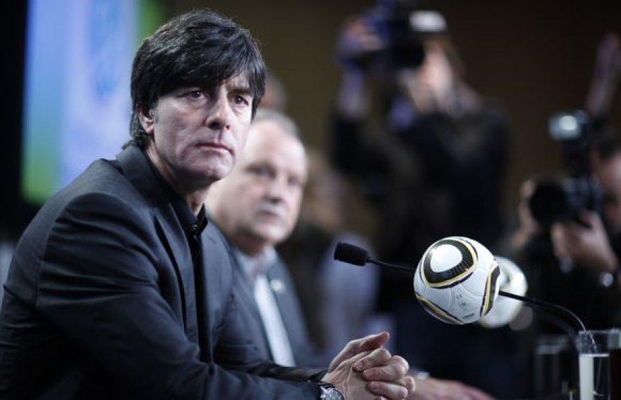 Vokietijos rinkinės strategas J.Lowas paskelbė preliminarią komandos sudėtį