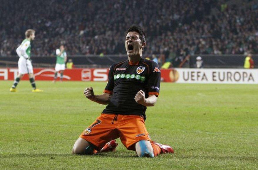 D.Villa turėtų pasirešyti ketverių metų sutartį su Barselonos klubu
