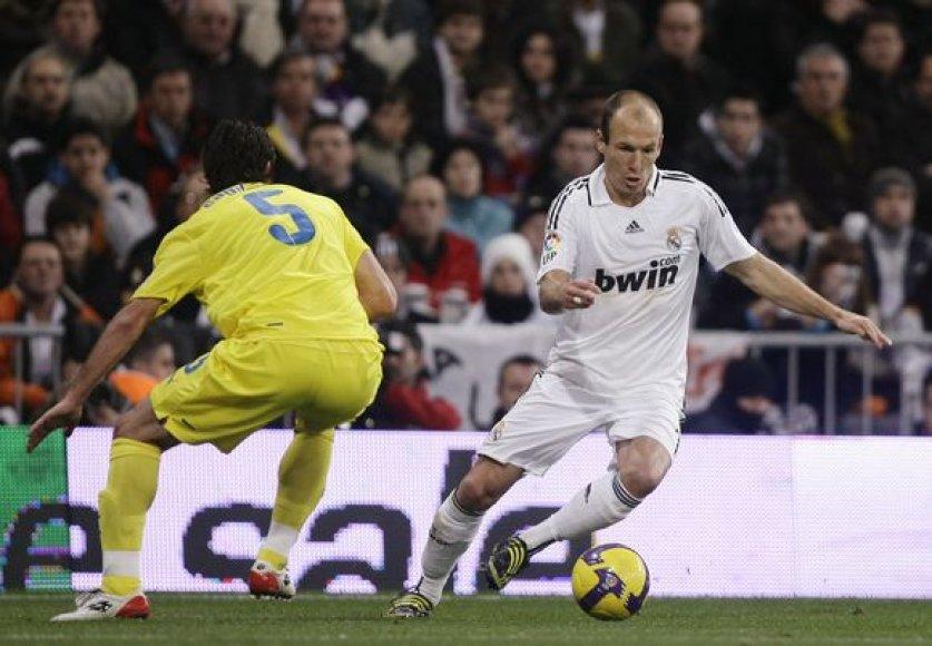 """A.Robbenas """"Real"""" klubui pelnė pergalingą įvartį."""