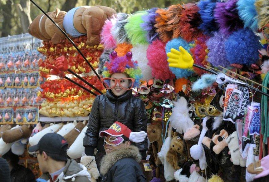 Drauge su kinais Naujuosius metus švenčia ir didieji pasaulio miestai – bent jau tie, kuriuose įsikūrę kinų kvartalai.