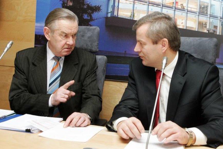 Žemės ūkio bendrovių asociacijos prezidentas Jaronimas Kraujelis ir Lietuvos Respublikos Seimo narys, Lietuvos socialdemokratų partijos frakcijos narys Mindaugas Bastys