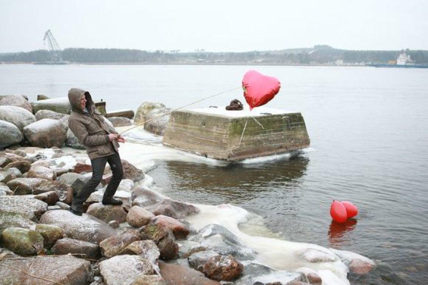 Nutarusieji švęsti Valentino dieną turėtų leisti sau improvizuoti – geros idėjos nebūtinai kainuoja kalną pinigų.
