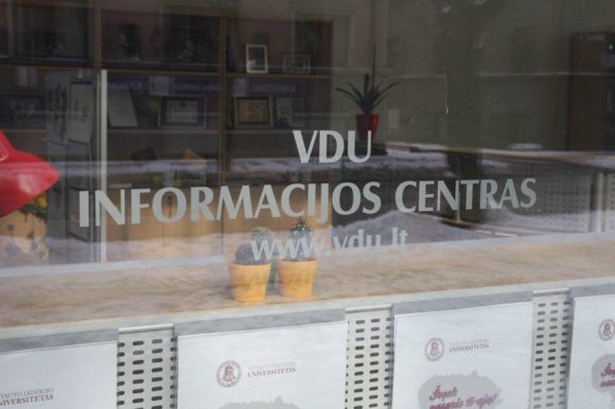 VDU neseniai atsidariusiame informacijos centre rūpimais klausimais bus konsultuojami tiek miestiečiai, tiek studentai.