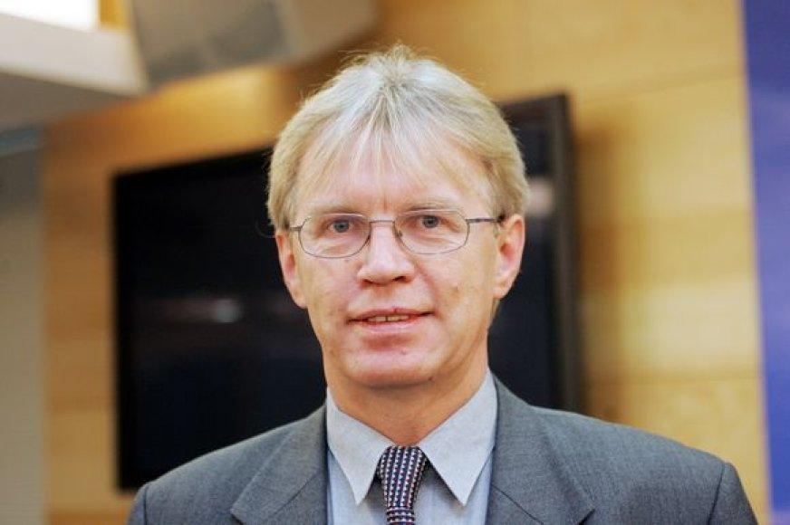 Konservatorius Donatas Jankauskas viliasi, kad Transporto lengvatų įstatymo pataisos įsigalios nuo gegužės arba birželio.