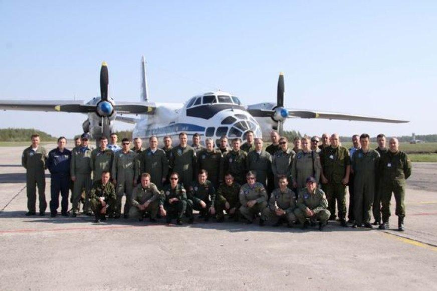 Lietuvos karinių oro pajėgų Aviacijos bazėje Šiauliuose lankosi Rusijos ir Baltarusijos ginkluotės kontrolės ekspertų delegacija.