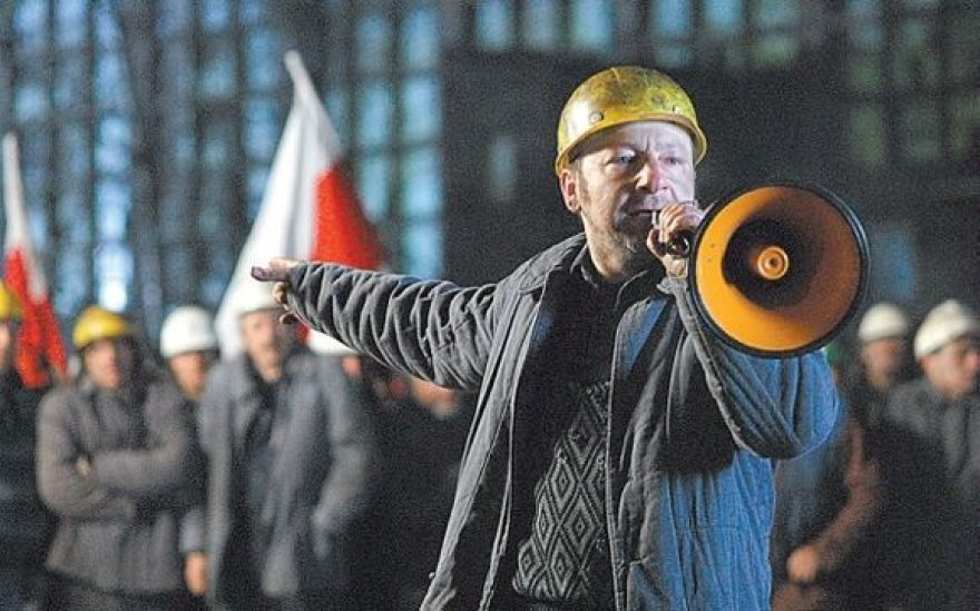 """Kadras iš filmo """"Popieluszko. Laisvė yra mumyse"""""""