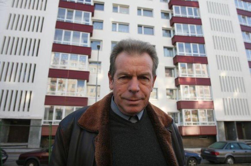 Pasak J.Česnavičiaus, po namo atnaujinimo gyventojai džiaugiasi net tik mažesniais mokesčiais, bet ir radikaliai pasikeitusiu namo estetiniu vaizdu.
