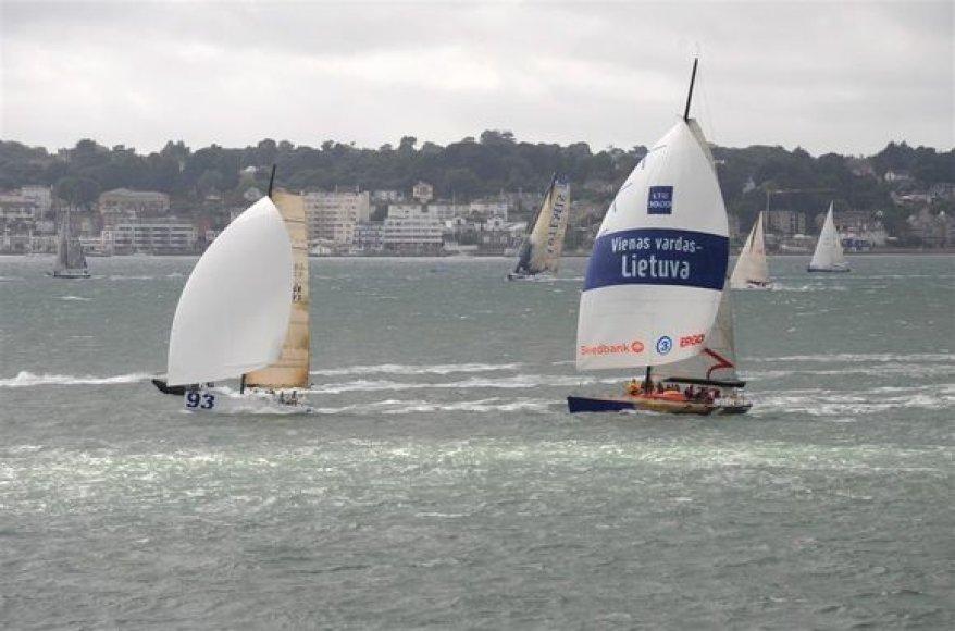 """Ambersail"" įgula regatoje ""Sevenstar Round Britain and Ireland Race"""