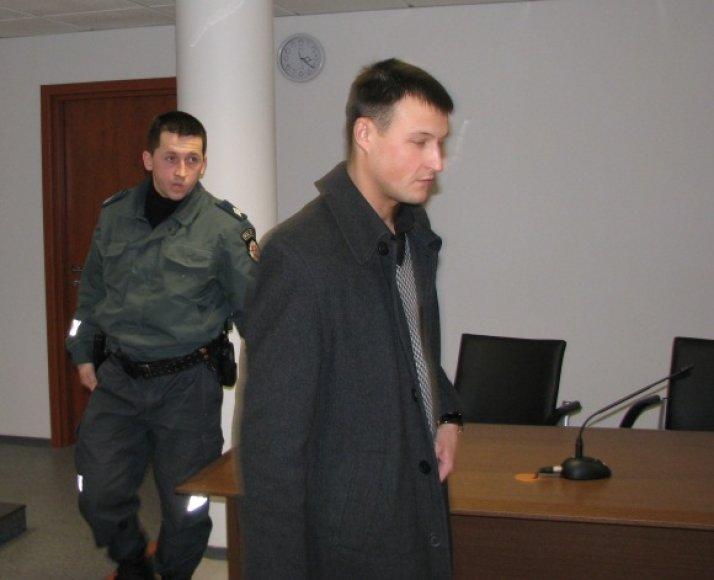 Patrulių ekipažas: Ž.Mockus (uniformuotas) ir J.Orlovskis.