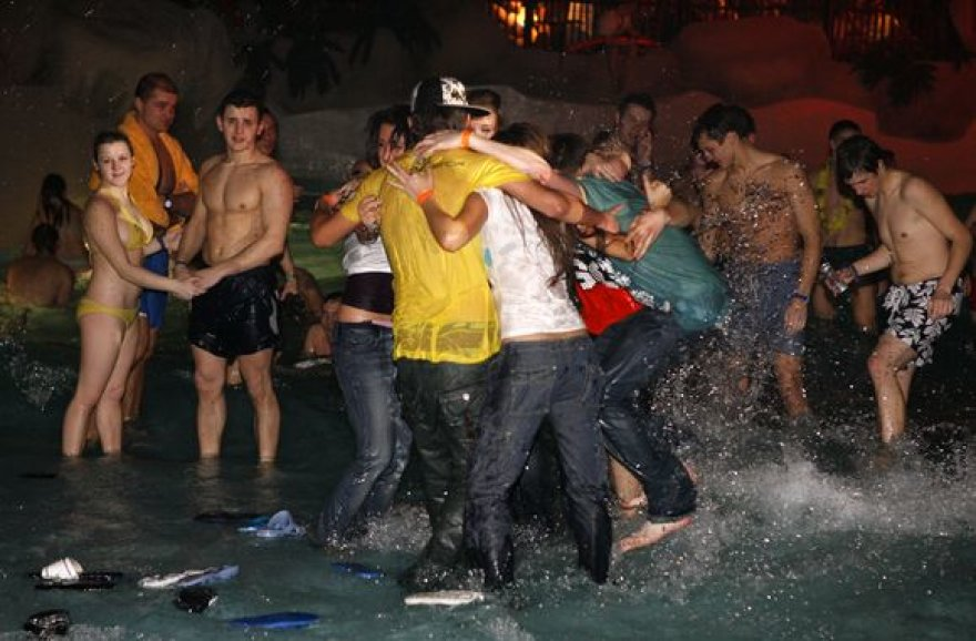 Vakarėlis vandens parke