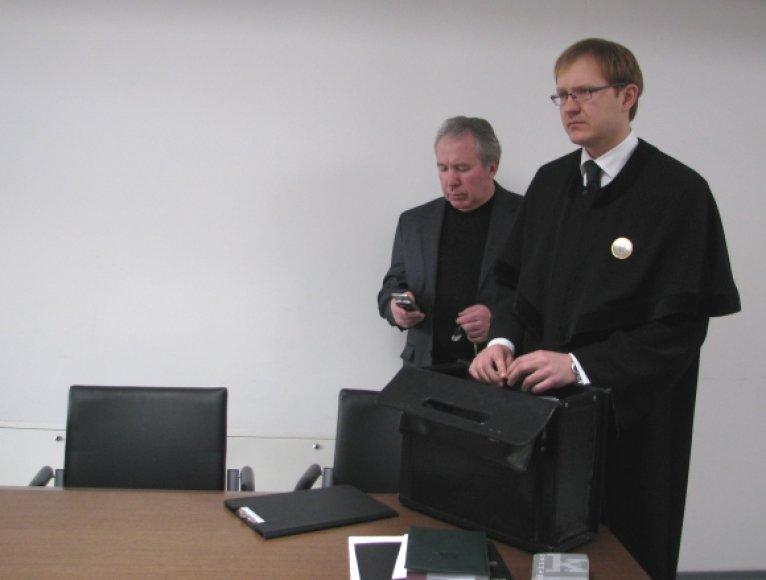 J.Dragūnas teisme