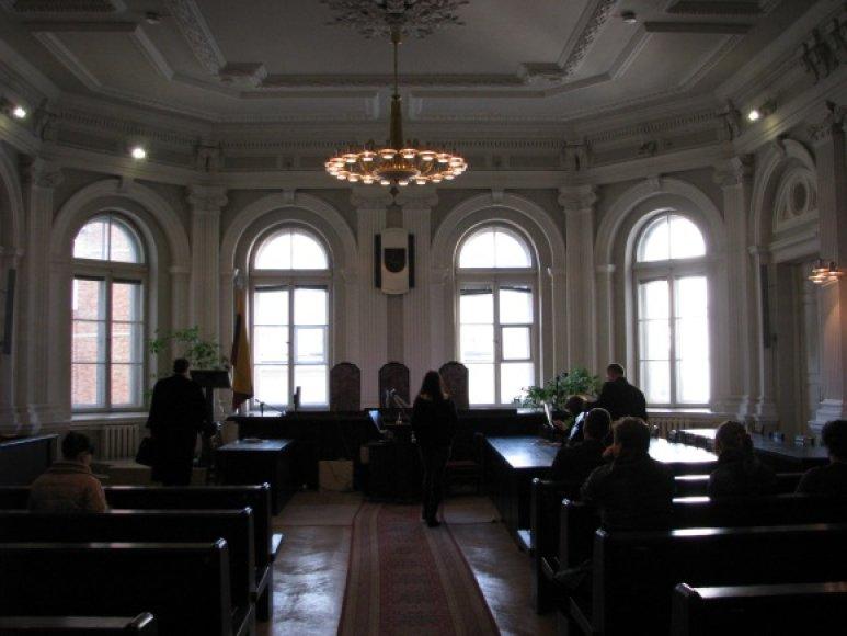 Mažametės išžaginimo byla išnagrinėta neviešuose posėdžiuose.