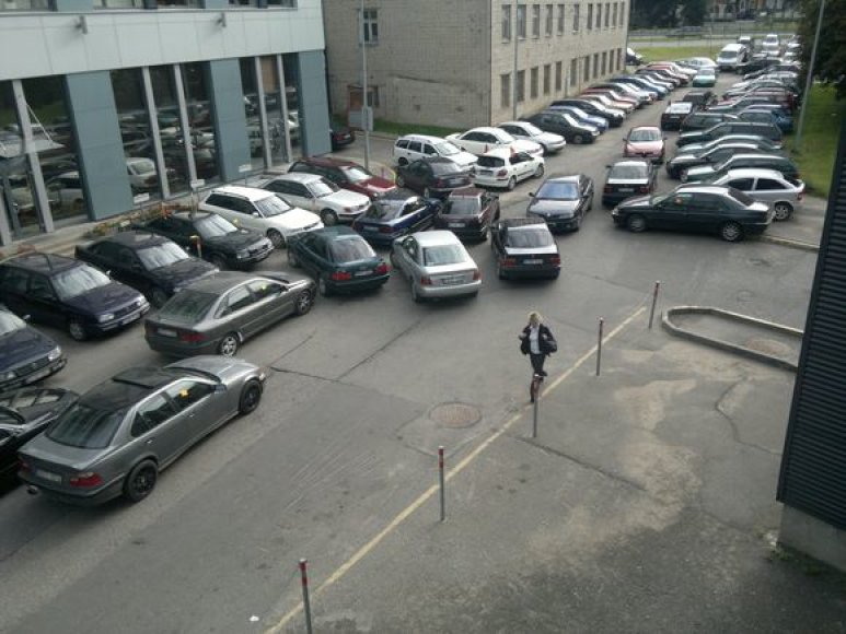 Sugrūsti automobiliai