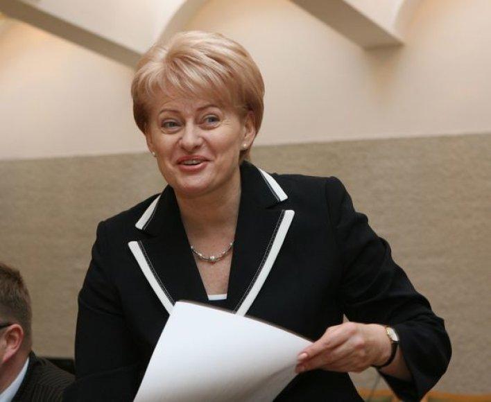 Eurokomisarė Dalia Grybauskaitė pateikė pareiškinius dokumentus Vyriausiajai rinkimų komisijai