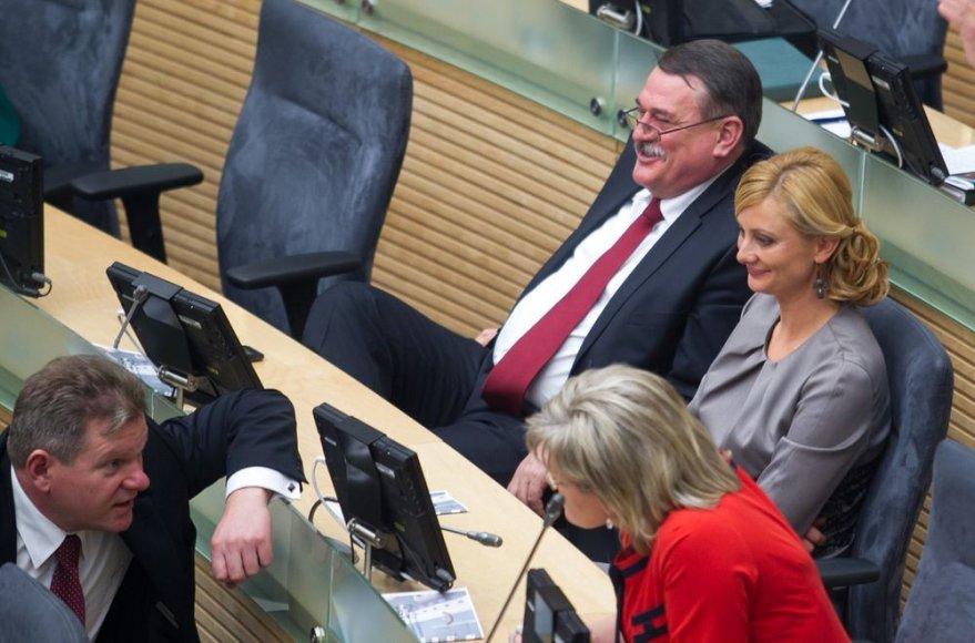 Naujos kadencijos parlamentas renka Seimo pirmininką.