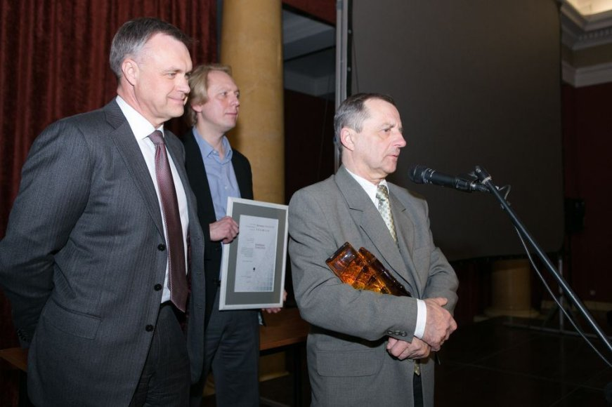 Labiausiai nusipelnę fotomenininkai apdovanoti specialiomis premijomis.