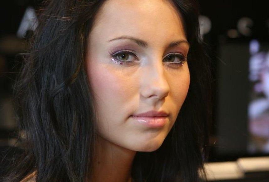 """Švedai """"Make up store"""" atskleidė būsimas makiažo tendencijas."""