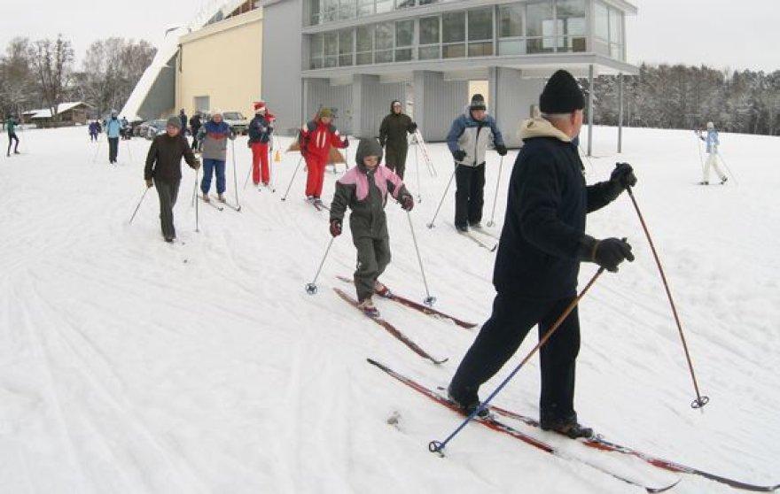 """""""Snaigės žygio"""" organizatorių teigimu, slidinėjimo esmė yra ne pasivaržyti, o pasigrožėti gamta."""