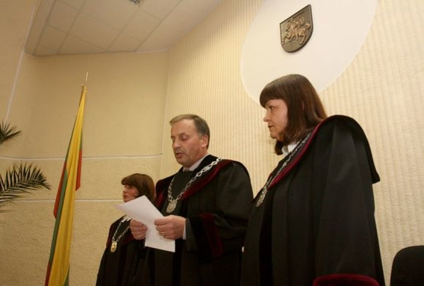 Teisėjų kolegija, kurią sudaro Vytautas Krikščiūnas (pirmininkas ir pranešėjas), Rita Bilevičienė bei Daiva Gadliauskienė.