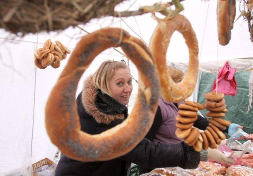 Kaziuko mugėje Vilniuje – netikėtos prekės ir minios žmonių.