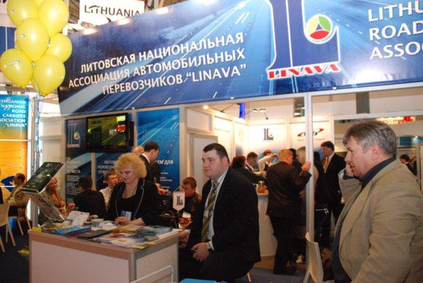 """Lietuvos vežėjai tarptautinėje transporto ir logistikos parodoje """"TransRusija 2009""""."""