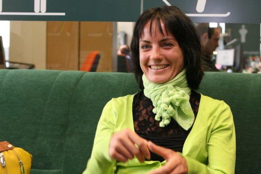 15min.lt redakcijoje geriausia Lietuvos ilgų nuotolių bėgikė ir rekordininkė Živilė Balčiūnaitė atsakinėja į skaitytojų klausimus.