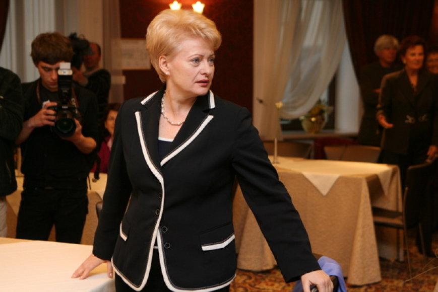 D.Grybauskaitė atėjo į rinkimų štabą lygiai 20 valandą.