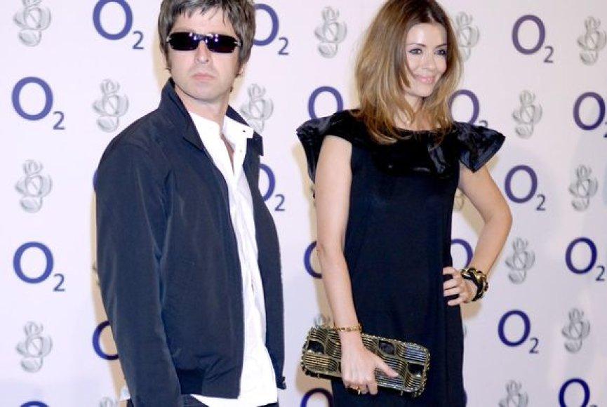 Noelis Gallagheris su savo žmona