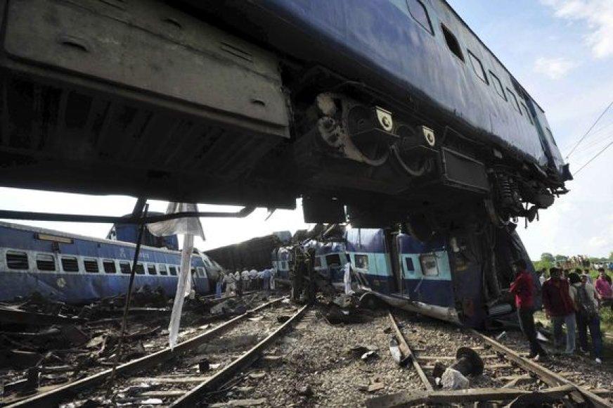 Nuvirtęs traukinys Indijoje