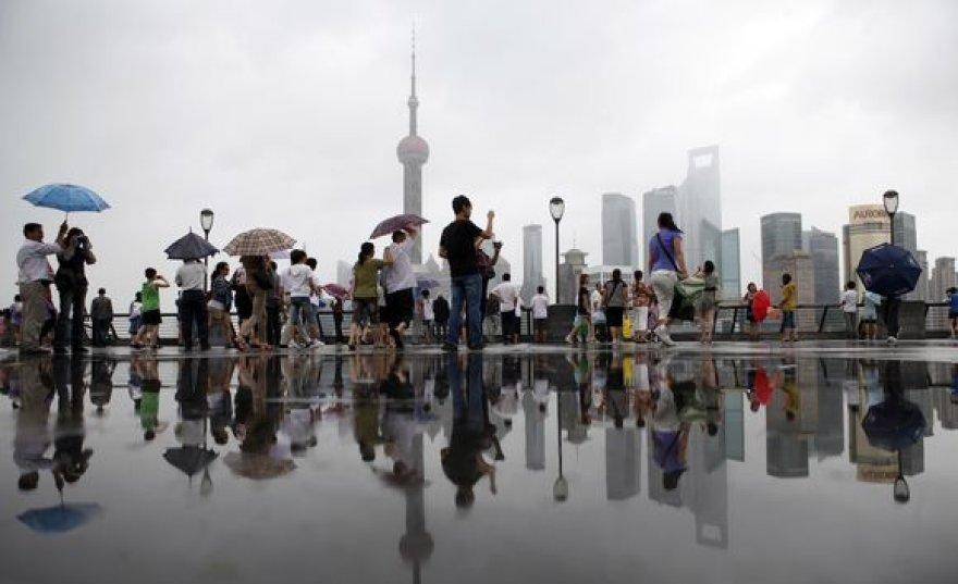 Šanchajuje kol kas tik smarkiai palijo