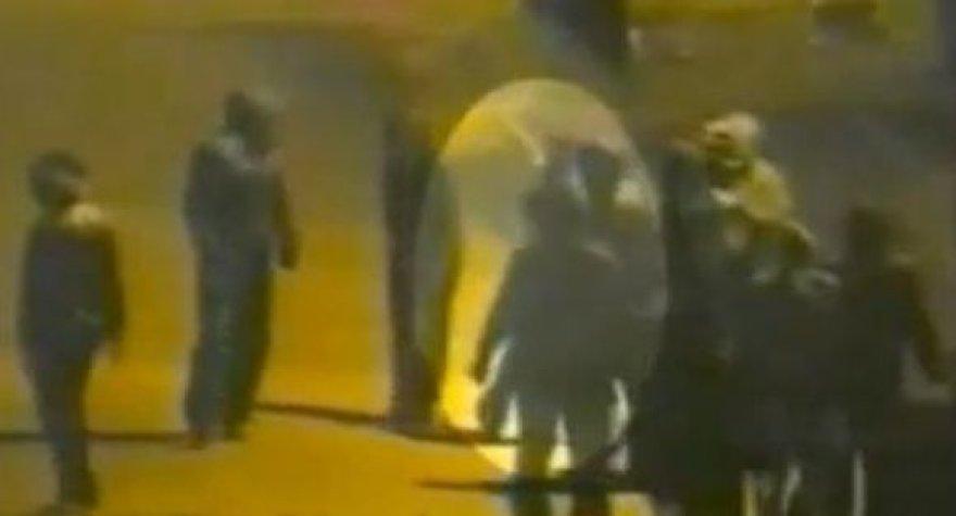 Video matyti, kaip riaušininkai šaudo į policiją