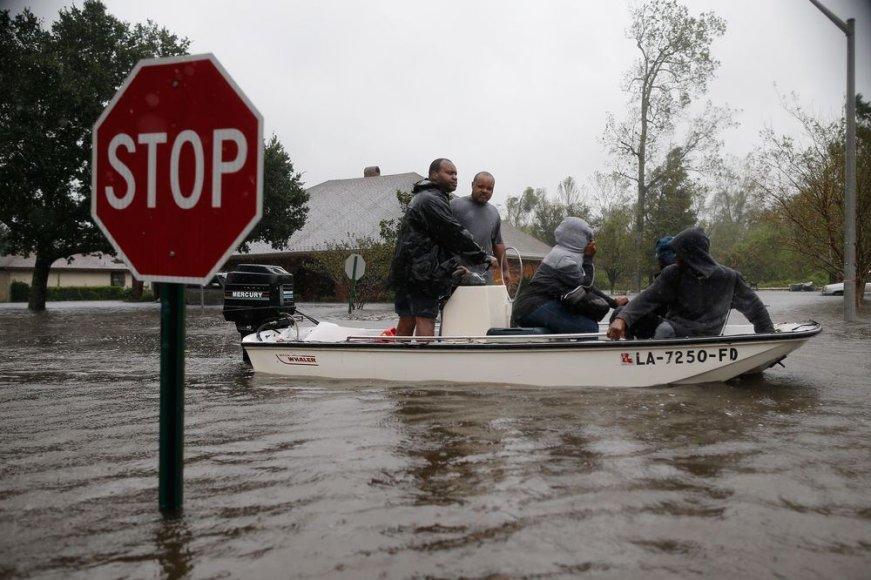 Izaoko sukelti potvyniai