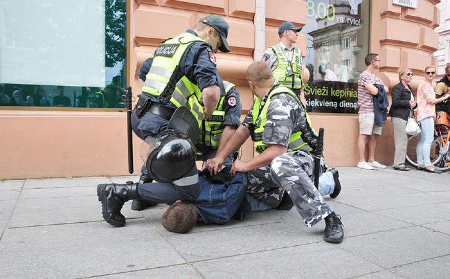"""Įtariamojo sulaikymas per """"Baltic pride"""""""