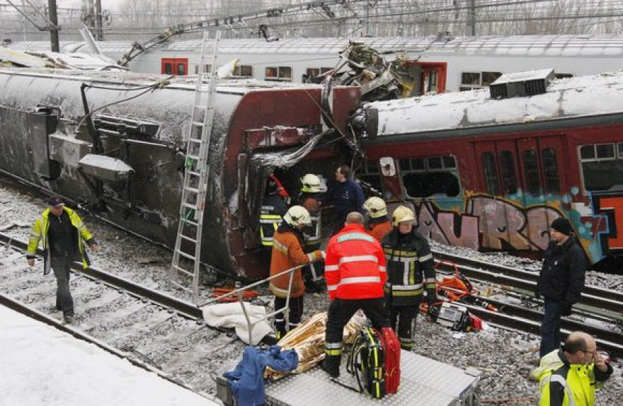 Traukinių susidūrimą išgyvenę žmonės sako, kad tai buvo tarsi košmaras