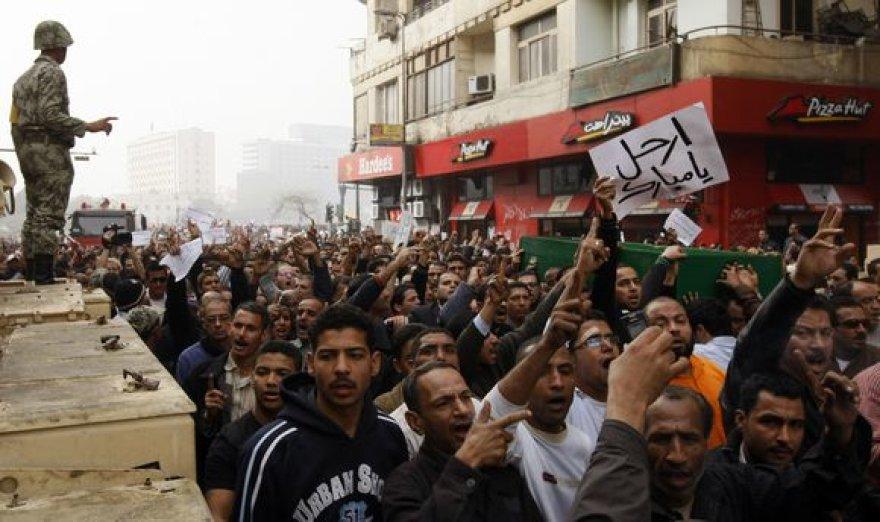 Egipte tęsiasi neramumai.