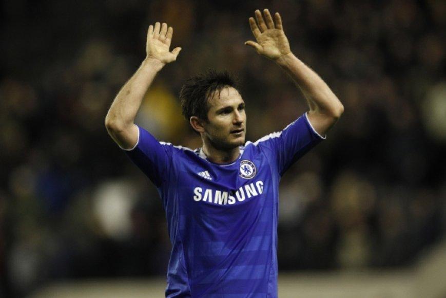 """Frankas Lampardas šį sezoną prarado vietą startinėje """"Chelsea"""" sudėtyje."""