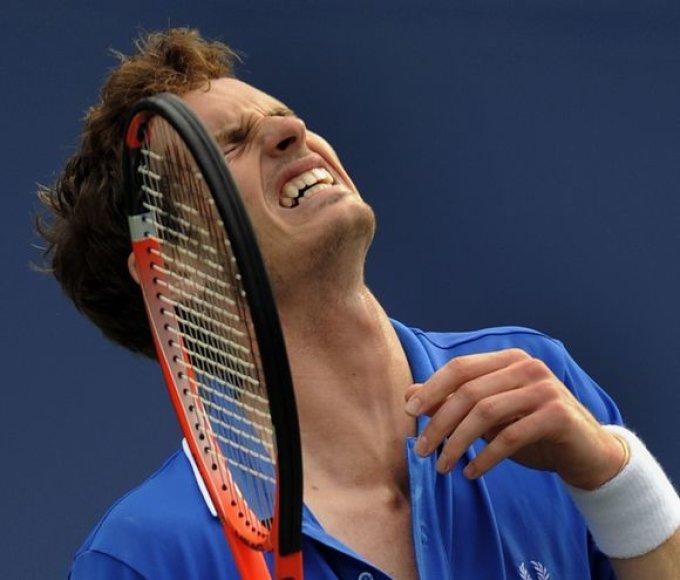 Apie atvirojo JAV teniso čempionato nugalėtojo titulą svajojęs A.Murray'us ginklus sudėti buvo priverstas dar aštuntfinalyje