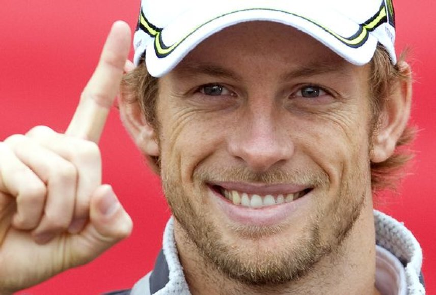 """Pranešama, jog J.Buttono alga šį sezoną siekė """"vos"""" 3 mln. svarų sterlingų"""