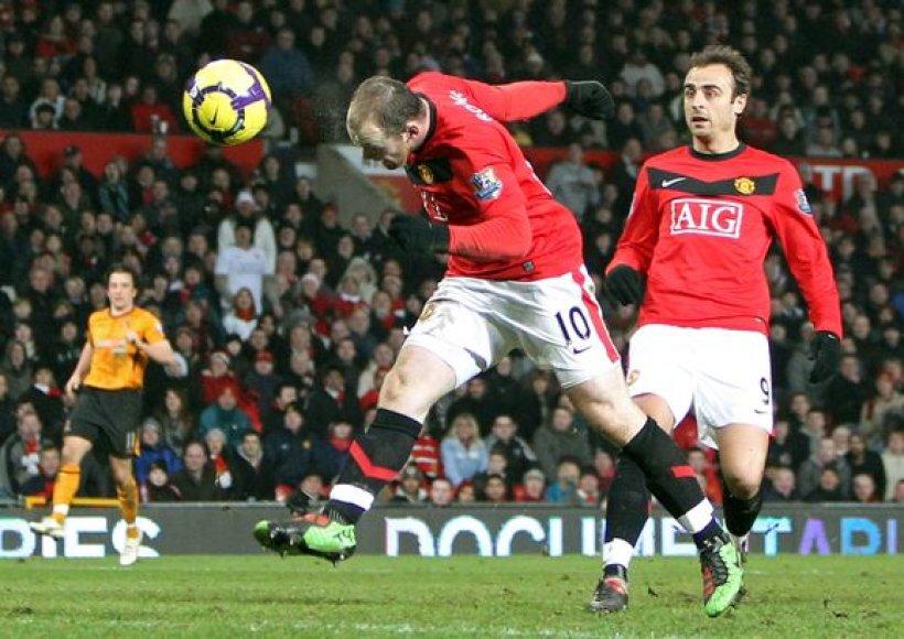 Keturi įvarčiai viename mače – W.Rooney rekordas