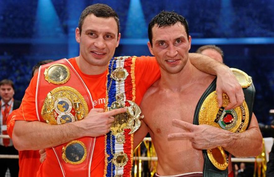 Vitalijus (kairėje) ir Vladimiras Kličko