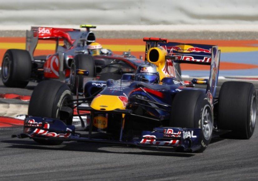 L.Hamiltoną gąsdina Red Bull bolido greitis