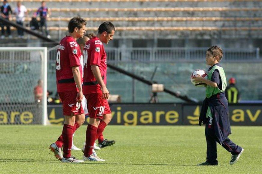 """T.Danilevičius (kairėje) ir """"Livorno"""" kitą sezoną turės sugrįžti į antrą pagal pajėgumą Italijos čempionatą"""