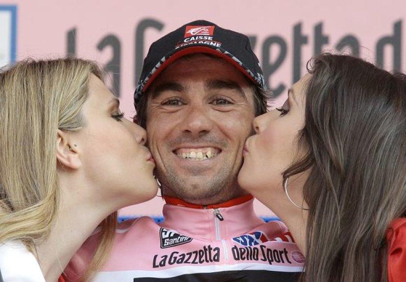 """""""Giro d'Italia"""" lenktynių lyderis bendrojoje įskaitoje – ispanas D.A.Duranas"""