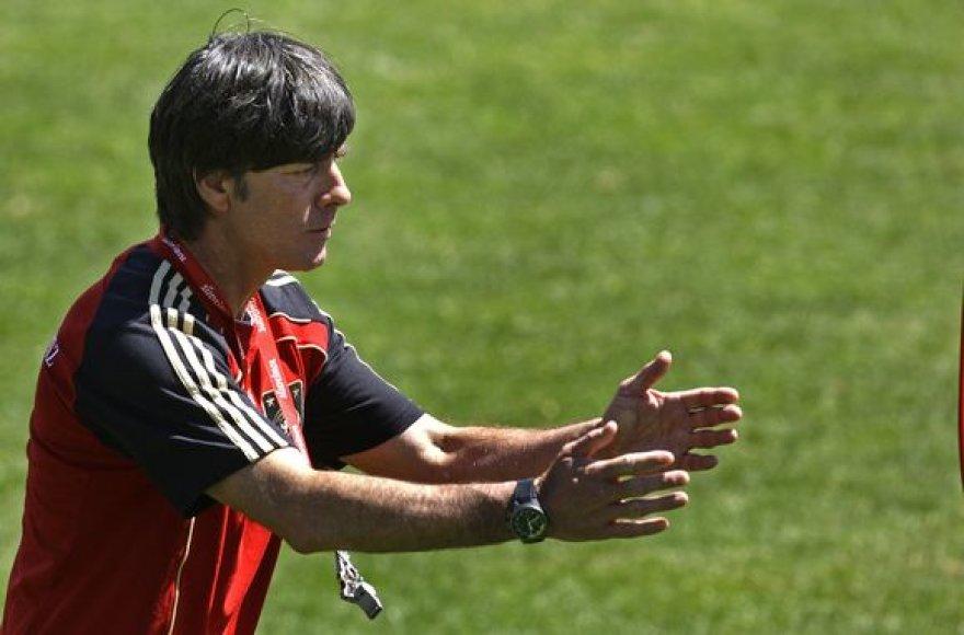 Vokietijos futbolo rinktinės trenerio J.Loewo pasirinkimą palengvino auklėtinių traumos