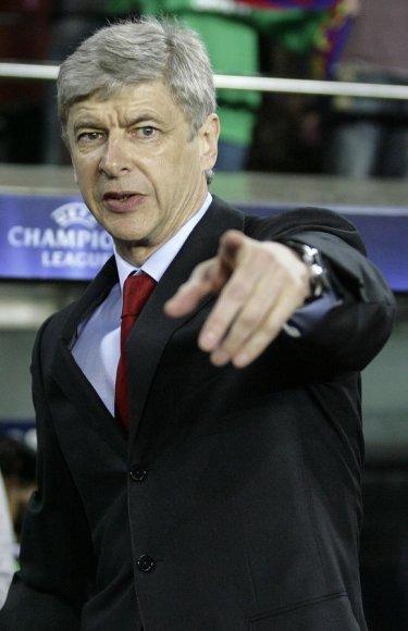 """A.Wengeras """"Arsenal"""" vadovaus iki 2014 metų vasaros"""