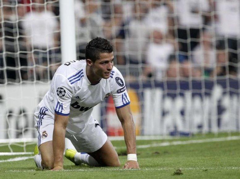 Anot I.Casillaso, C.Ronaldo yra tiesios sutvertas mušti įvarčius
